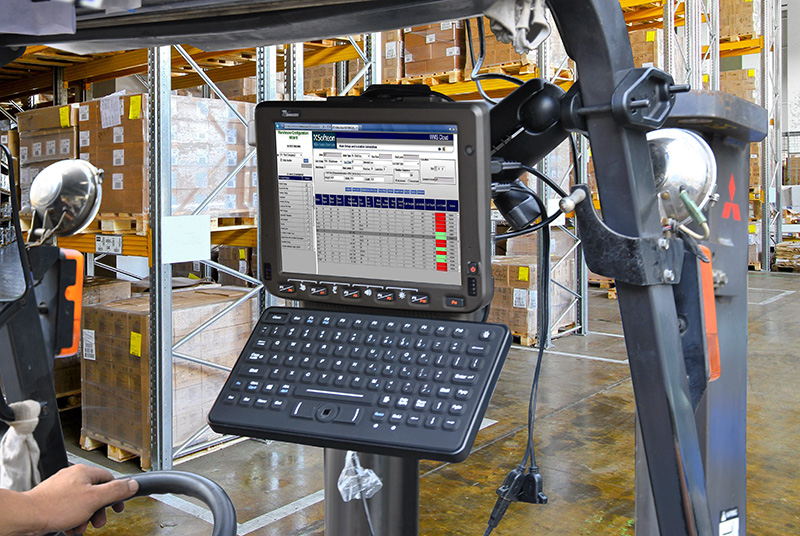10.4-inch Android Vehicle Mounted Computer FM10A RAM Mount on Forklift with Keyboard Mount